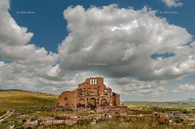 Yereruyk Basilica (Anipemza village, Shirak Province, Armenia ...