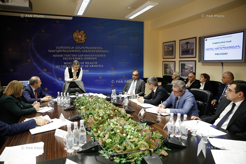 PM Karen Karapetyan visits Ministry of Health of Armenia