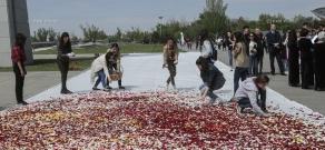 Flower gathering at Tsitsernakaberd memorial
