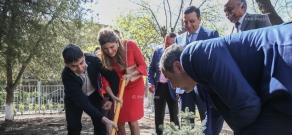 Հորդանանի արքայադուստր, Քաղցկեղի վերահսկման միջազգային միության նախագահ Դինա Մայրեդը մասնակցեց ծառատունկի Հերացի ավագ դպրոցում