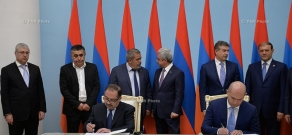 Memorandum of forming political coalition between the RPA and ARF was signed at the Presidential Palace