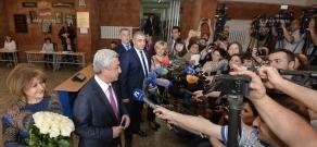Elections to the Yerevan City Council: Prseident Serzh Sargsyan votes