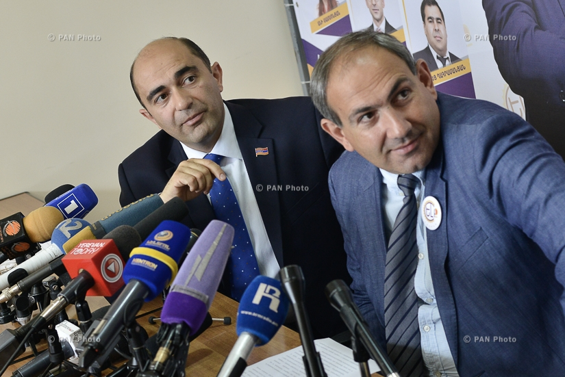 Press conference of MPs from YELQ (Exit) bloc Nikol Pashinyan and Edmon Marukyan