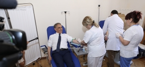 Акции по случаю Всемирного дня  донора в парламенте Армении и в больничном комплексе №1 «Гераци»