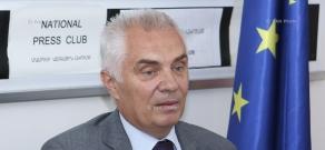 Пресс-конференция руководителя делегации ЕС в Армении Петра Свитальского