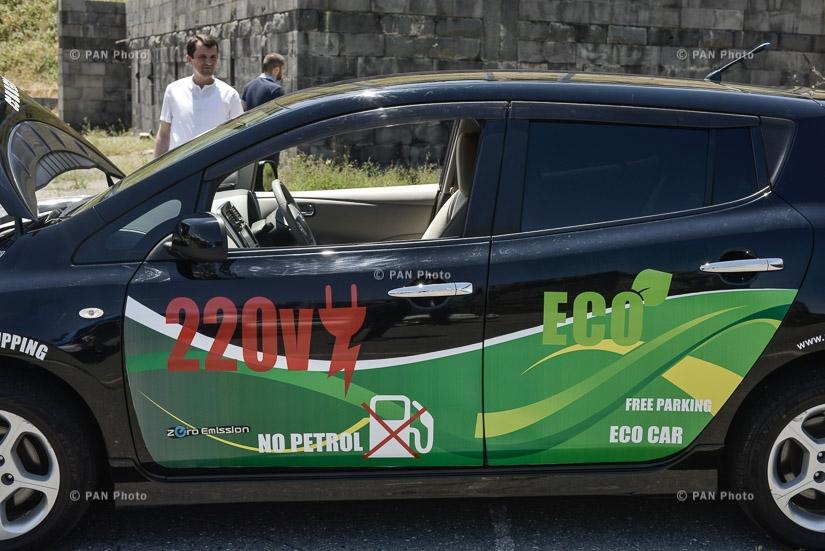 ՀՀ ավտոմոբիլային ֆեդերացիան, Global Shipping և «Գիտատեխնիկական ասոցիացիա երեք կետ» ԻԱՄ-ը ներկայացրել են Nissan Leaf էկոմոբիլը