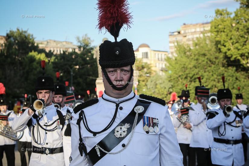 Բրիտանիայի ՊՆ «Սալամանկա» նվագախմբի, բրիտանական բանակի շեփորահարների և ՀՀ ՊՆ զիննվագախմբի համատեղ համերգը