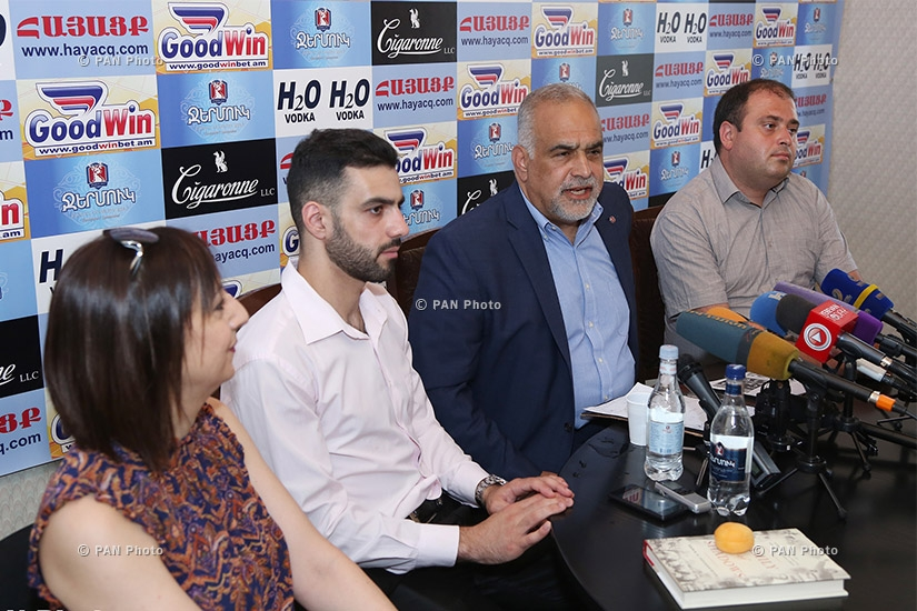 Press conference of Heritage party leader Raffi Hovannisian