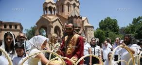 Церемония освящения абрикосов во время открытия 14-го фестиваля «Золотой абрикос»