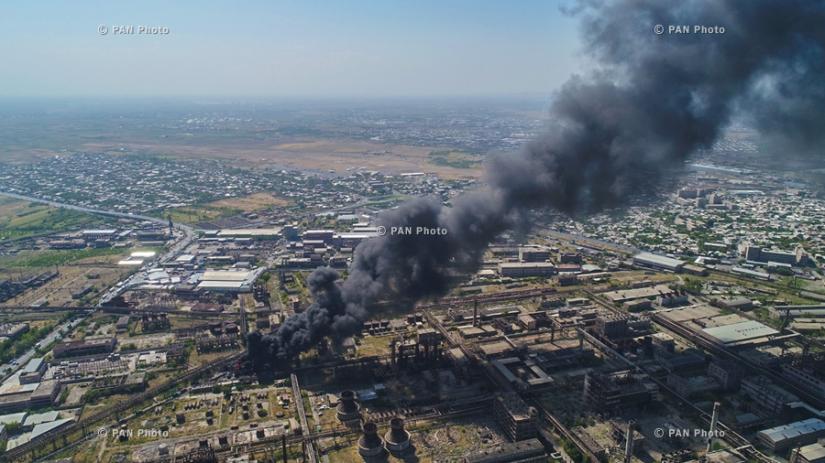 Пожар на территории химического завода «Наирит» в Ереване