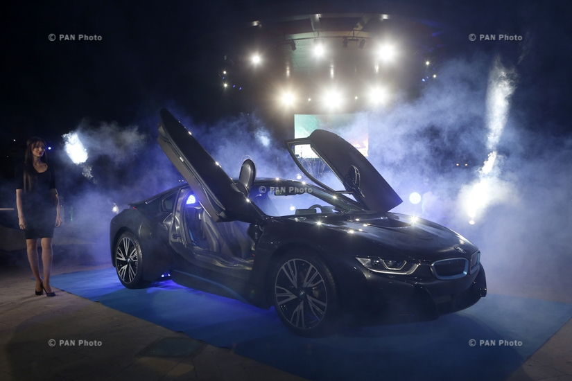 Презентация BMW i8 с гибридным двигателем в Армении