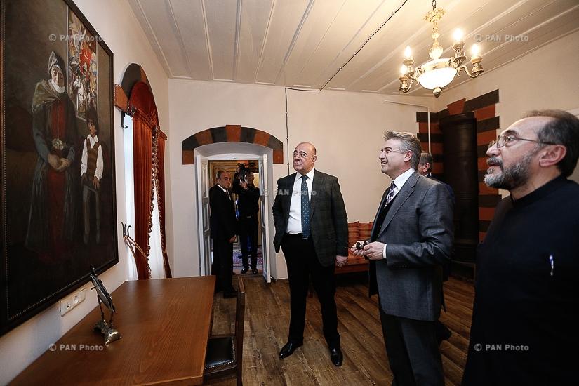 Премьер Армении Карен Карапетян принял участие в открытии отреставрированной ул. Руставели в Гюмри