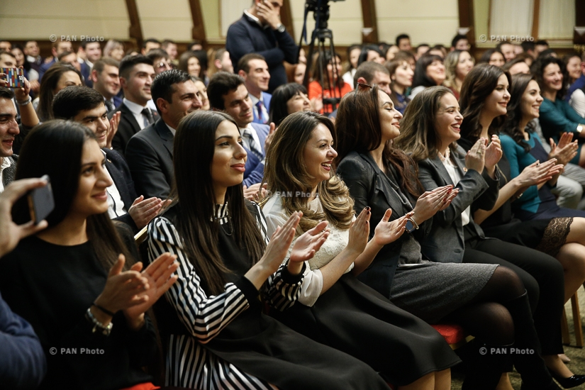 Վարչապետ Կարեն Կարապետյանն ավարտական վկայագրեր է հանձնել ՀՀԿ «Անդրանիկ Մարգարյան» քաղաքական դպրոցի շրջանավարտներին