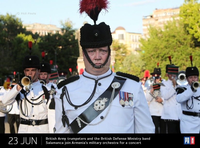British Army trumpeters and the British Defense Ministry band Salamanca join the military orchestra of the Armenian Defense Ministry for a concert