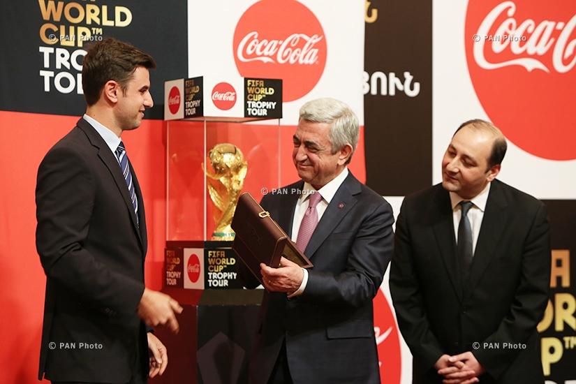 ՀՀ նախագահ Սերժ Սարգսյանը Երևանում ընդունել է ՖԻՖԱ ԱԱ ոսկե գավաթը