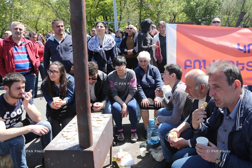 Protest against Armenia's ex-president Serzh Sargsyan's appointment as prime minister in Yerevan: Day 5