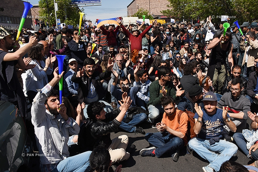 Protest against Armenia's ex-president Serzh Sargsyan's appointment as prime minister in Yerevan: Day 7