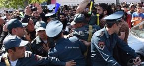 Акция протеста против премьерства Сержа Саргсяна на улицах Еревана: День 7