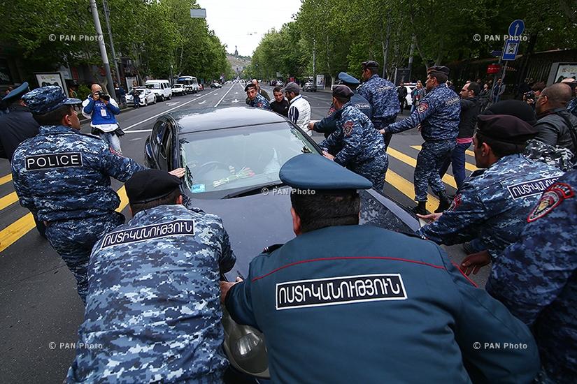 Акция протеста против премьерства Сержа Саргсяна на улицах Еревана: День 9