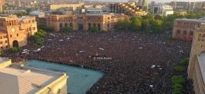 Атмосфера в Ереване после отставки премьер-министра Сержа Саргсяна