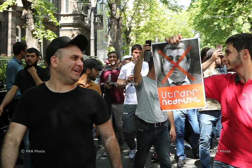 Civil campaign demanding the departure of ruling Republican Party of Armenia in Yerevan: Day 13