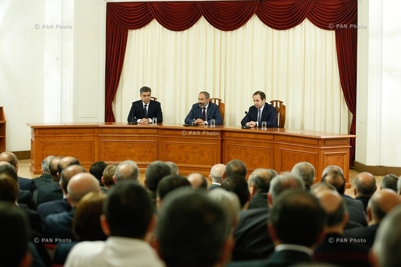 Armenian Prime Minister Nikol Pashinyan, alongside former head of the National Security Service (SNS) Georgi Kutoyan, presents newly appointed SNS chief Artur Vanetsyan to the senior staff and board members of the Service