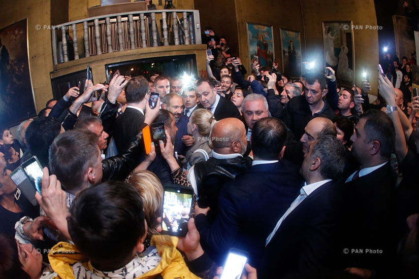 Վարչապետ Նիկոլ Փաշինյանի հանդիպումը Սոչիում հայ համայնքի ներկայացուցիչների հետ տեղի Սբ Սարգիս եկեղեցու տարածքում