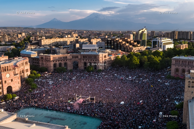 One of the biggest rallies called by Pashinyan at the Republic Square, during which it was declared that the Republicans will allocate the necessary number of votes to support the opposition candidate in his bid to become the new PM, 02.05.18