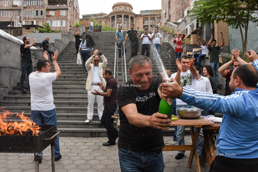 People celebrate Nikol Pashinyan's election as Prime Minister across Yerevan, 08.05.18