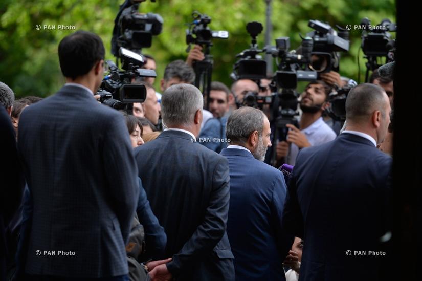 ՀՀ նորընտիր կառավարության երդման արարողությունը նախագահի նստավայրում
