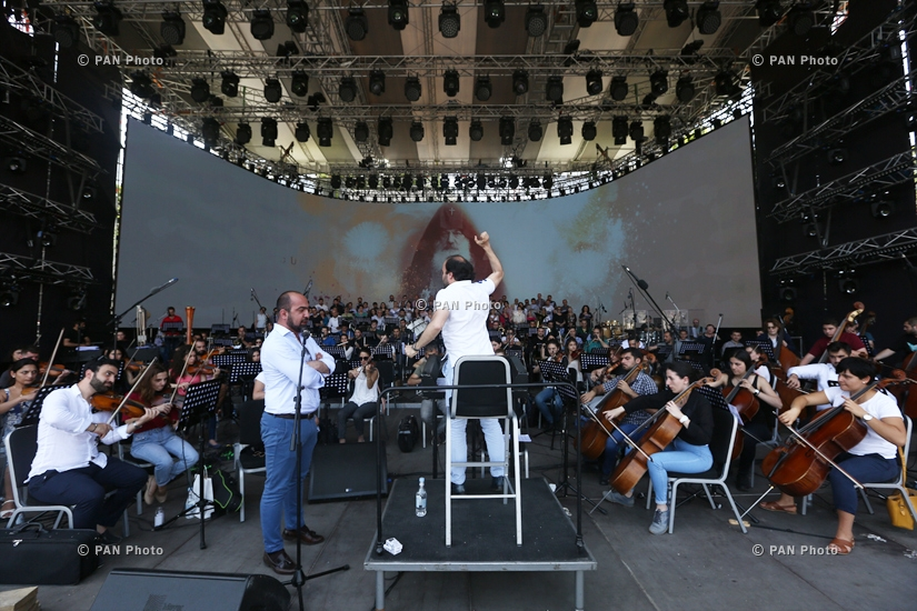 Rehearsal of a concert dedicated to the establishment of the First Republic of Armenia