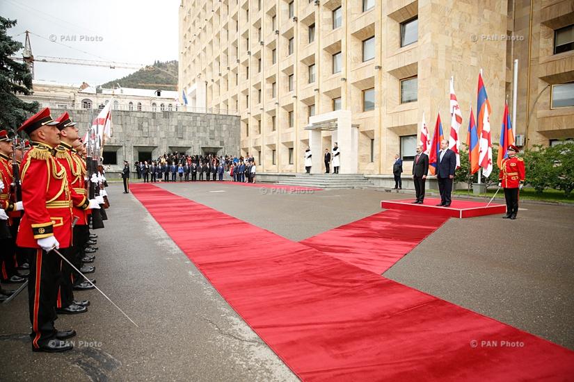 Թբիլիսիում վարչապետ Նիկոլ Փաշինյանի գլխավորած կառավարական պատվիրակության դիմավորման արարողությունը