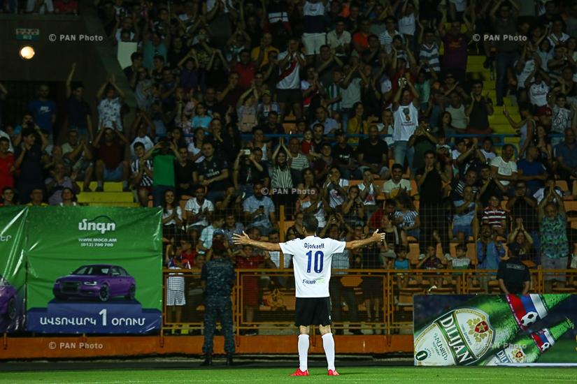 Լատինական Ամերիկայի և Եվրոպայի խորհրդանշական հավաքականների ընկերական հանդիպումը Երևանում՝ ֆուտբոլի լեգենդների մասնակցությամբ