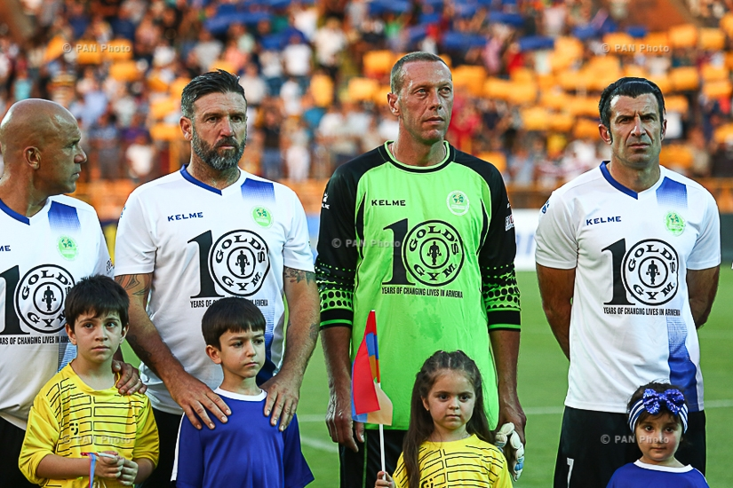 Football legends clash in friendly match between the teams of Latin America and Europe