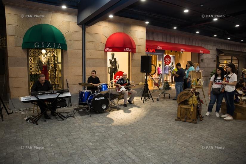 Yerevan Gallery-ի պաշտոնական բացումը Երևան Մոլում
