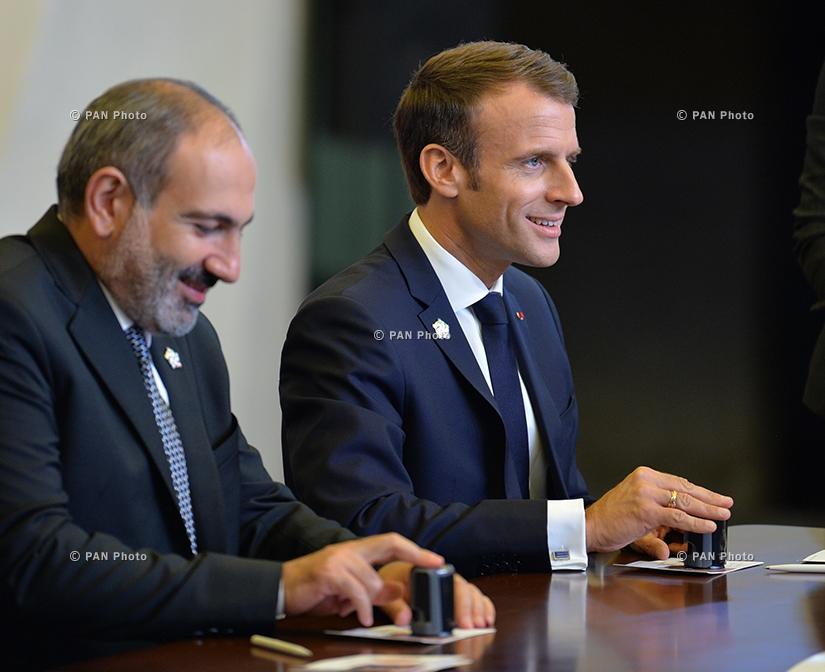 Nikol Pashinyan, Emmanuel Macron