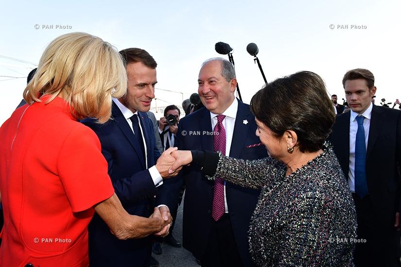 Հայաստանի և Ֆրանսիայի նախագահներ Արմեն Սարգսյանն ու Էմանուել Մակրոնն իրենց կանանց հետ մասնակցել են «Ազնավուր» կենտրոնի նախագծի ներկայացմանը