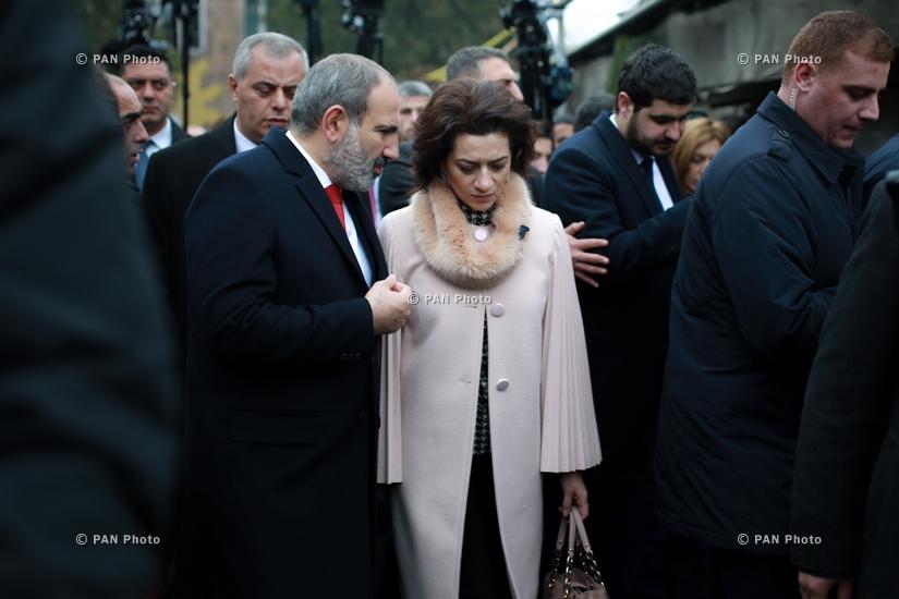 И.о. премьер-министра Армении Никол Пашинян проголосовал на внеочередных выборах в Парламент Армении