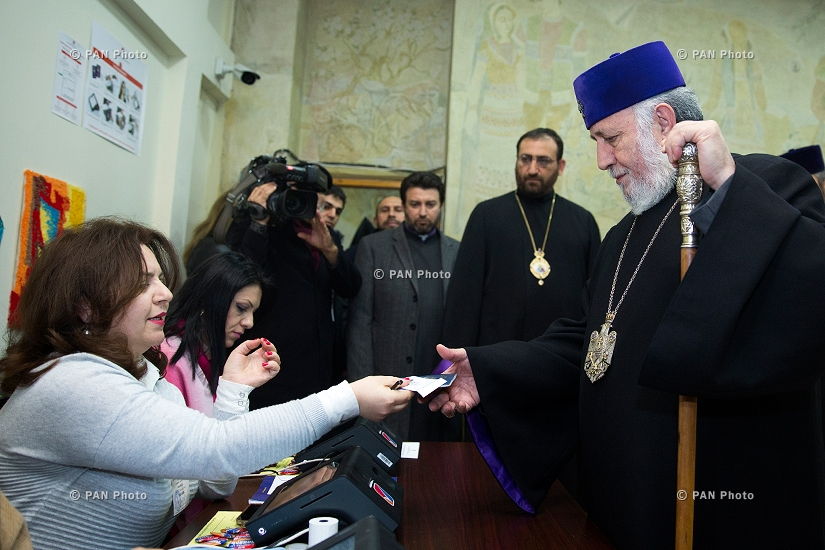 Catholicos of All Armenians Karekin II votes in Armenis'a snap parliamentary elections