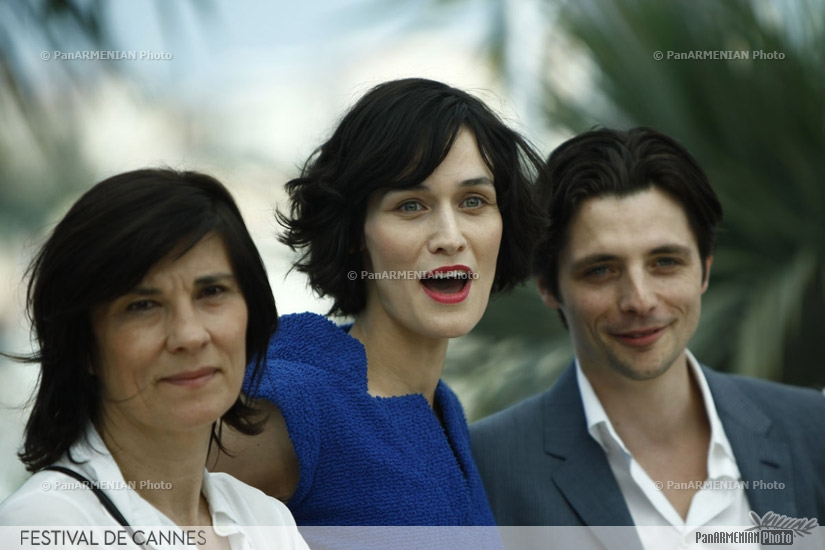 (From L) French director Catherine Corsini, French actress Clotilde Hesme, French actor Raphael Personnaz