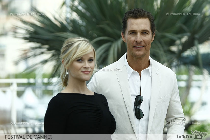 US actors Reese Witherspoon (L) and Matthew McConaughey