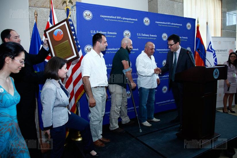 ԱՄՆ պետ.քարտուղար Հիլարի Քլինթոնը մասնակցեց համընդհանուր իրավունքներին նվիրված մրցանակների հանձնման արարողությանը