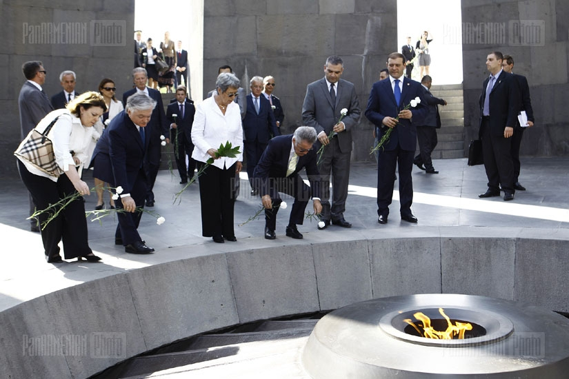 President of Austria Heinz Fischer visits Armenian Genocide Museum-Institute