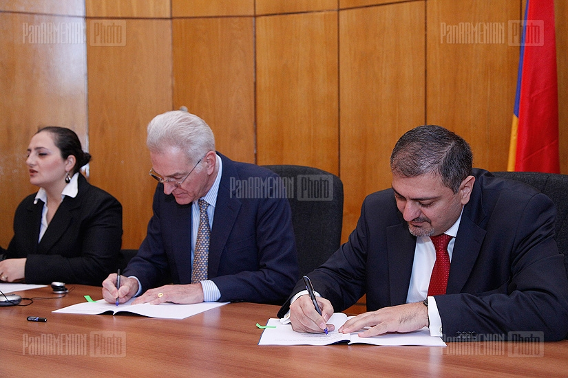 Armenia, EBRD sign loan agreement on northern border checkpoints