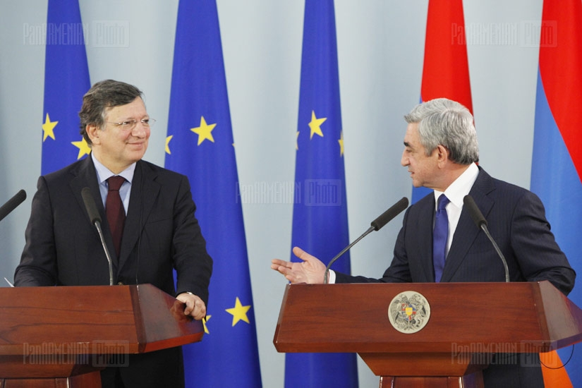 European Commission President Manuel Barroso and RA President Serzh Sargsyan make joint announcements