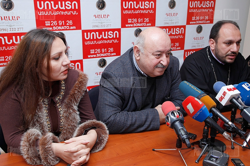 Press conference of psychologist Anna Badalyan, director of Byurakan Observatory Hayk Harutyunyan and priest Shmavon Ghevondyan