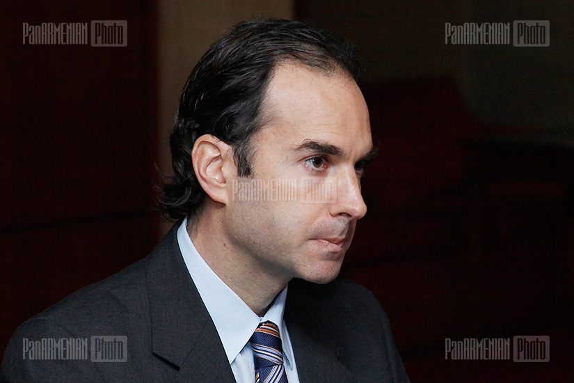 Press conference of IMF Resident Representative in Armenia Guillermo Tolosa