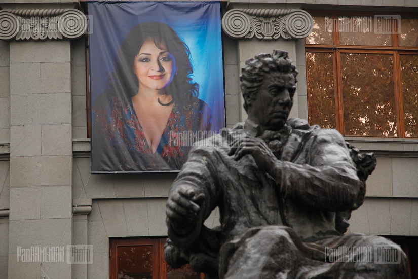 Farewell ceremony for famed Armenian singer Flora Martirosyan
