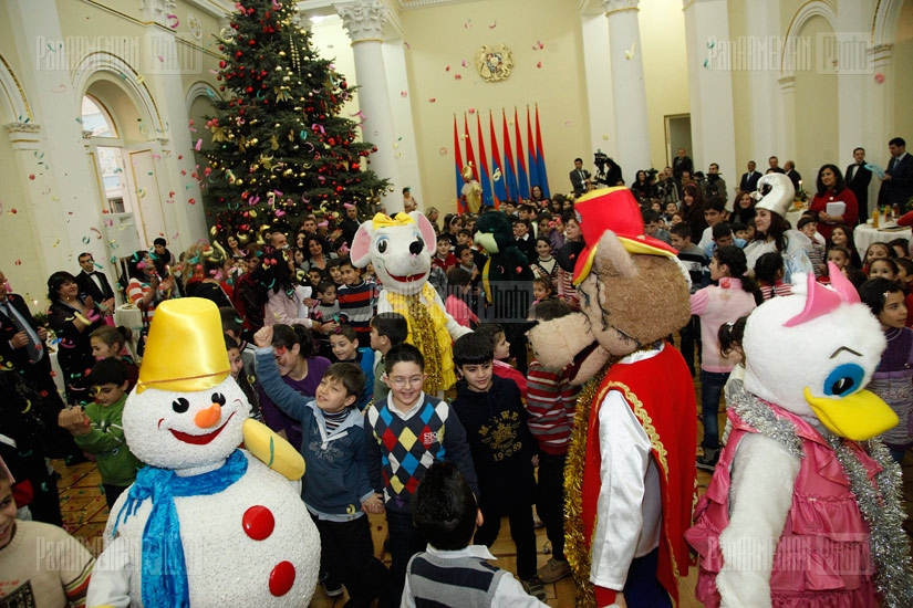 New Year reception of Syrian-Armenian and socially underprivileged children at President's residency
