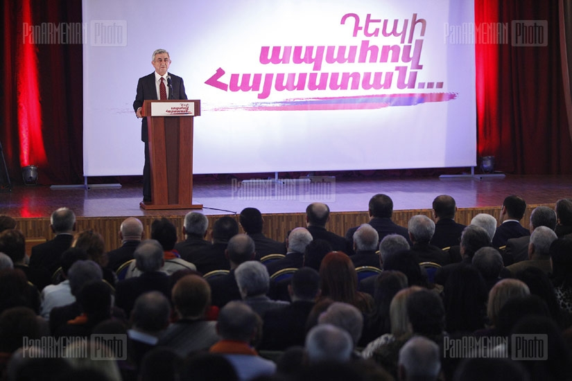 RA President Serzh Sargsyan meets with Avan district residents